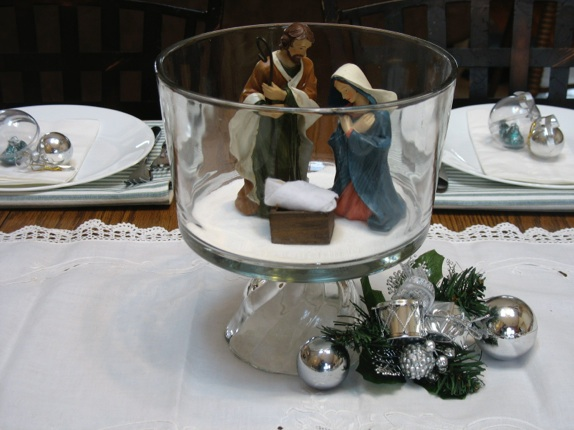 Ways to use a trifle bowl for centerpiece