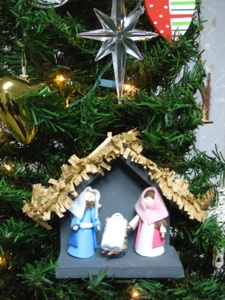 Nativity ornaments for Number of ornaments for christmas tree